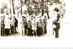 zbiórka harcerzy lata 70. SP Wicko