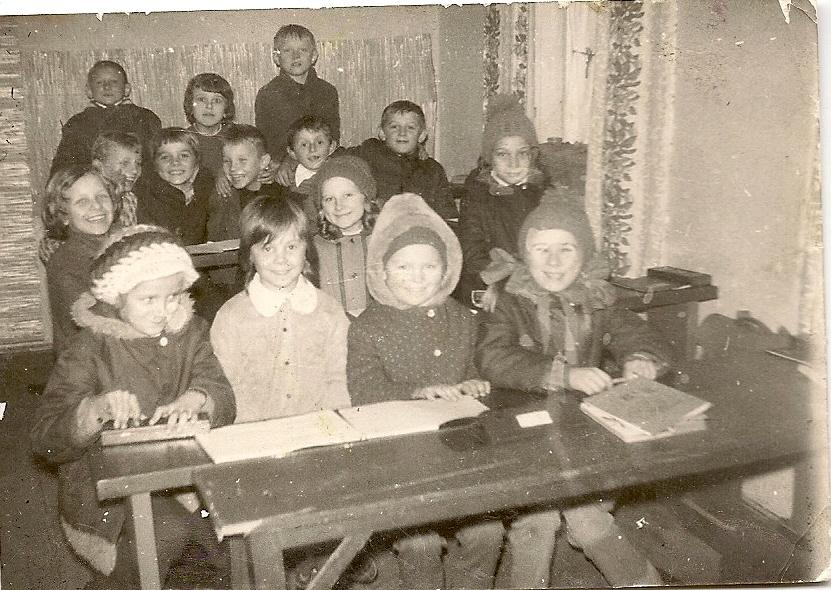 katecheza uczniowie z Wicka lata 70.